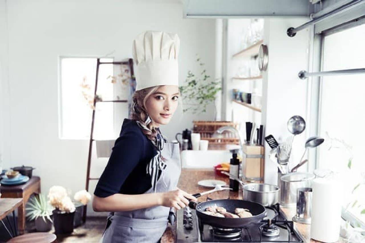 お料理上手としても知られるローラさんのレシピが待望の書籍化!