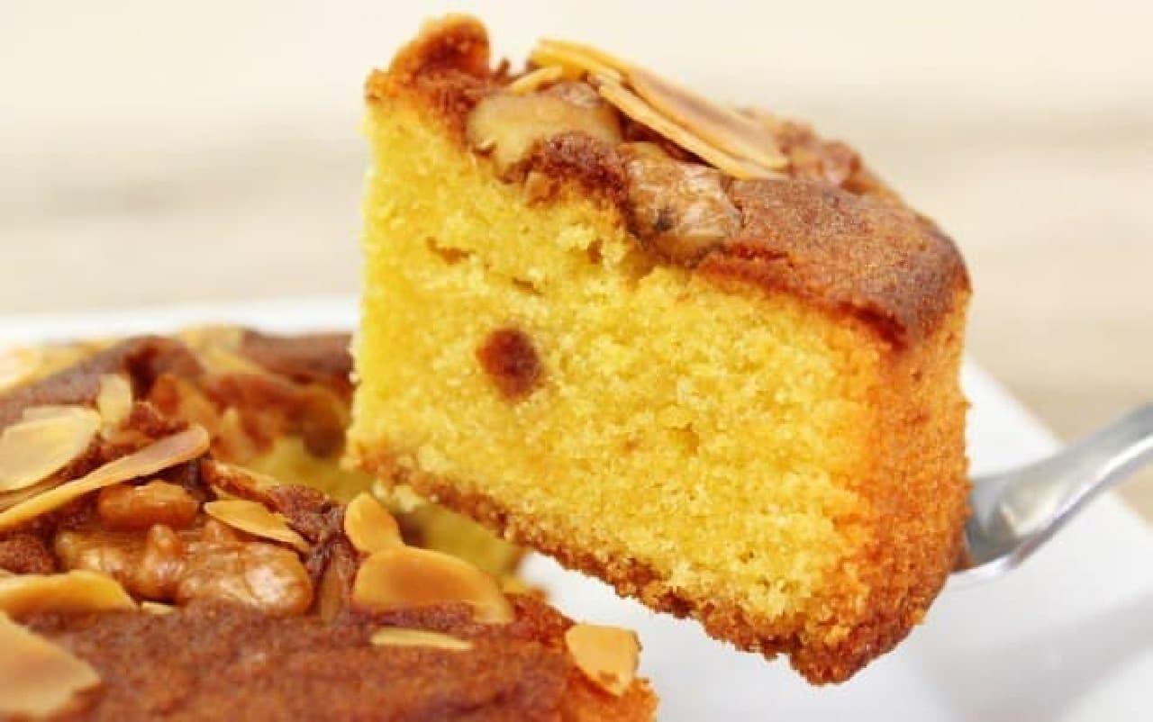 ふわふわしっとり、かぼちゃの甘いケーキ