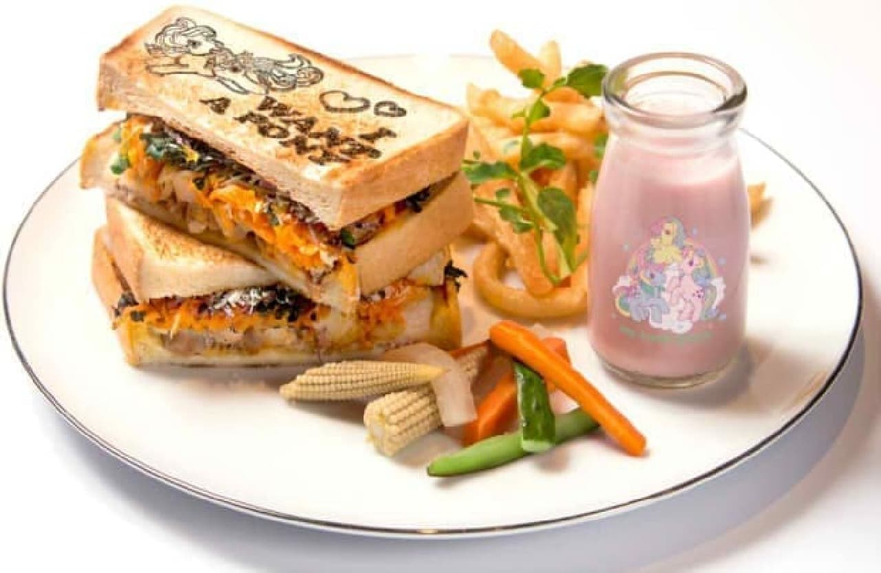 チキンとキャロットのサンドイッチ