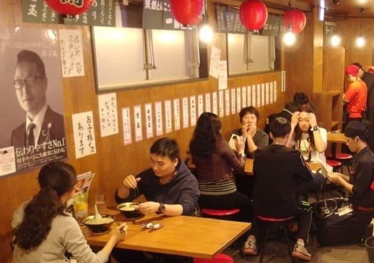 九州、近畿で人気の「一蘭屋台」が関東へ