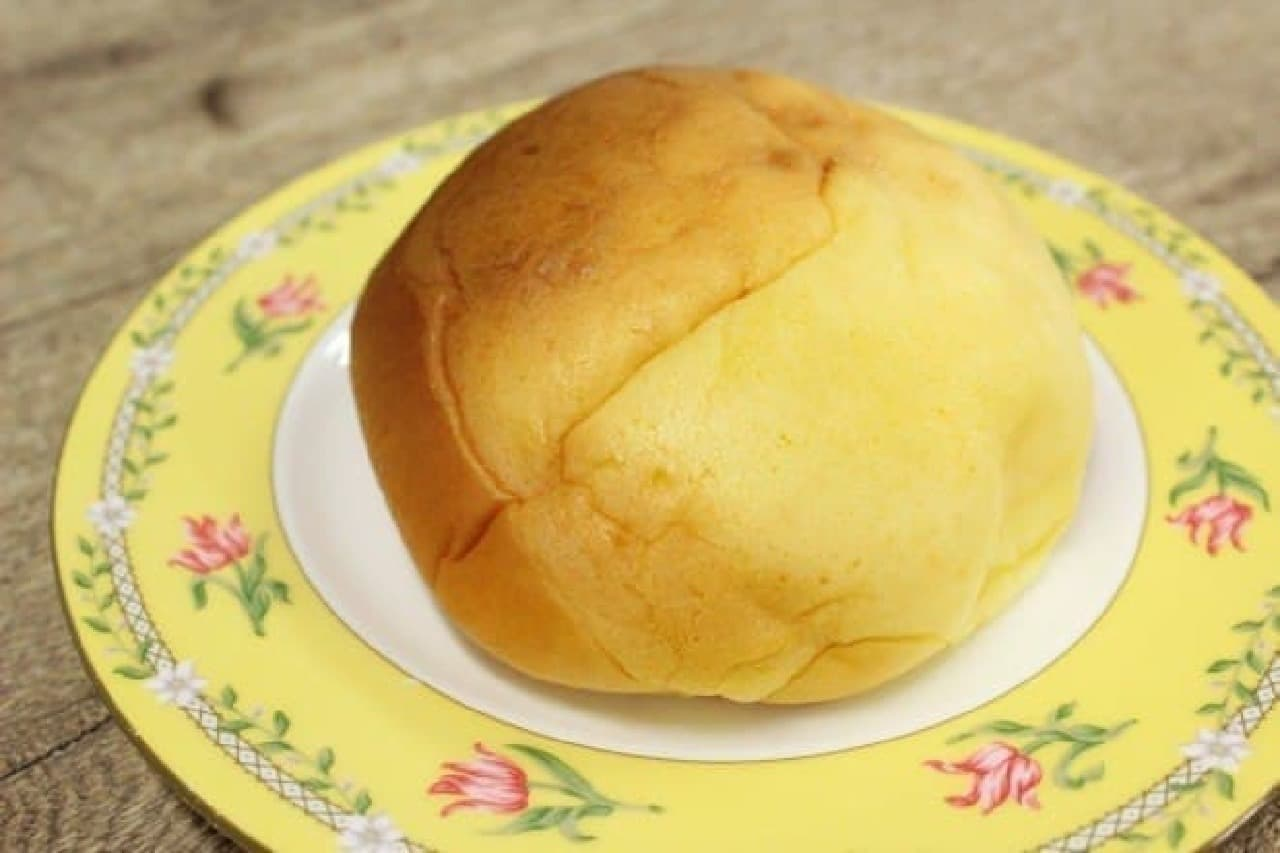 カスタードとホイップが詰まったスイーツパン