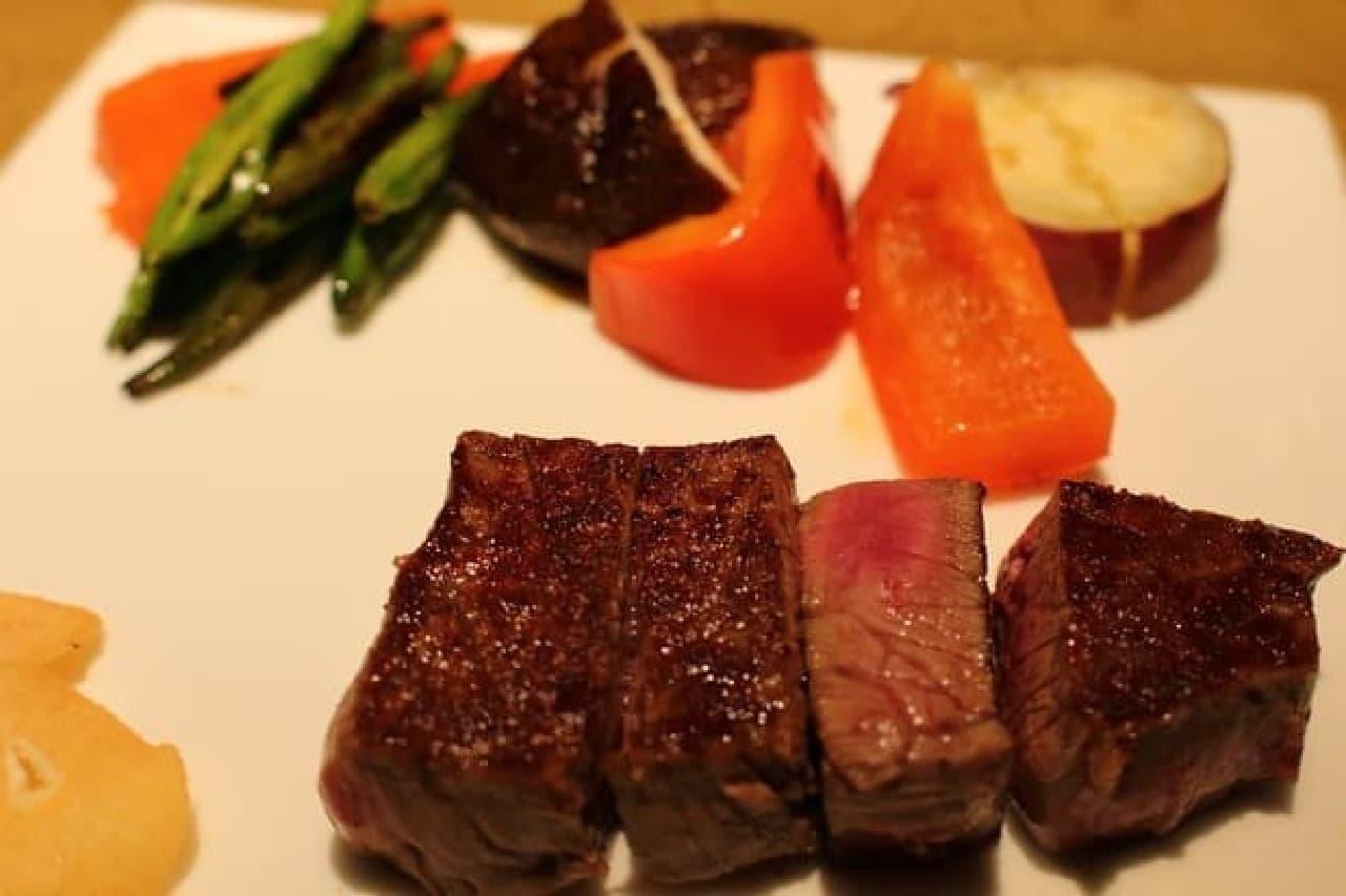 食べやすいフィレ肉  レストランおすすめのミディアムレアで