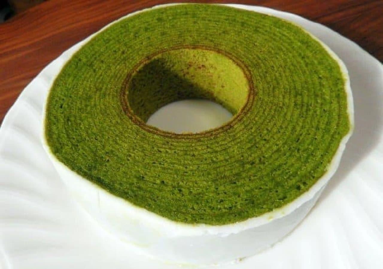 素材から製法までこだわり抜かれた抹茶バウムクーヘン