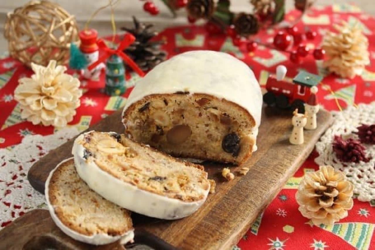 伝統的なクリスマス菓子「シュトーレン」
