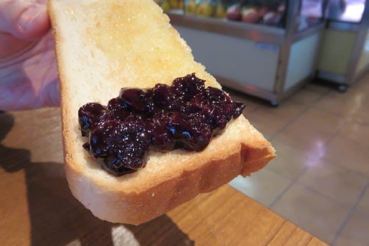 果肉感のあるブルーベリーのジャム