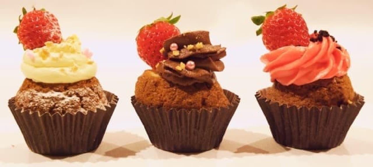 フレーバーはイチゴ、チョコ、ベリーベリー