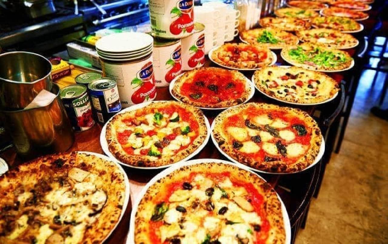 ピザ各種は500円に