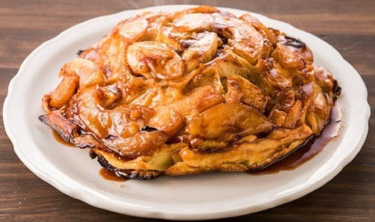 ダッチベイビーと並ぶ人気メニュー、アップルパンケーキ