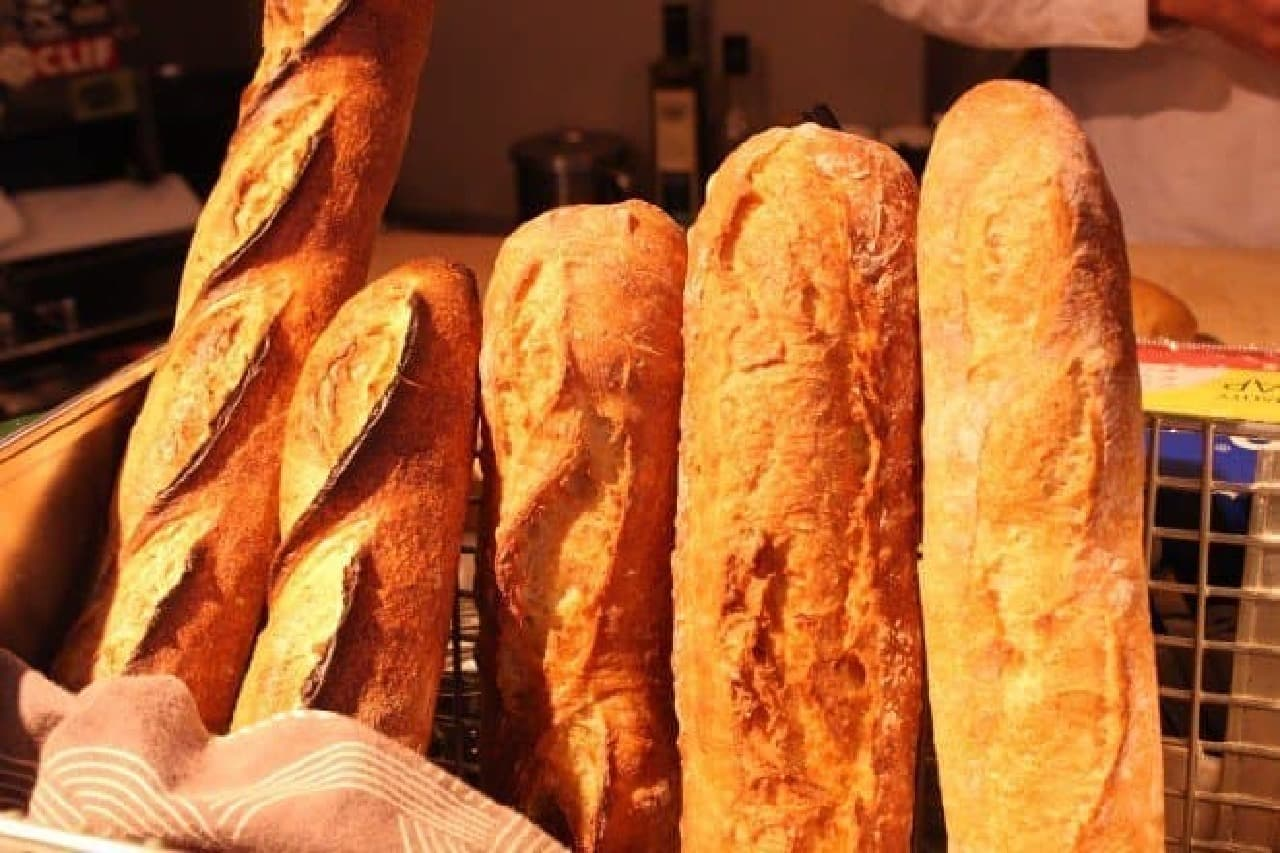 こだわりのサンドウィッチのために選び抜かれたパンたち