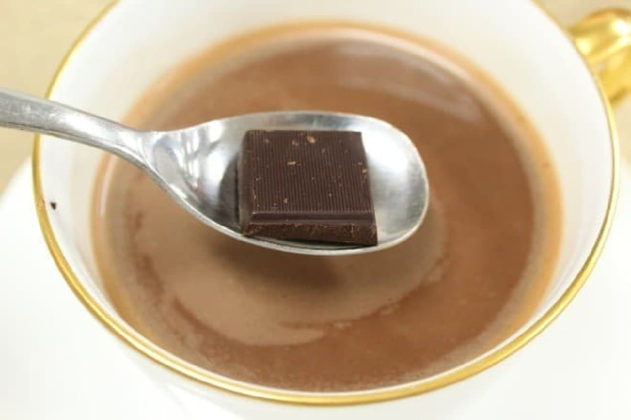 チョコをひとかけ…