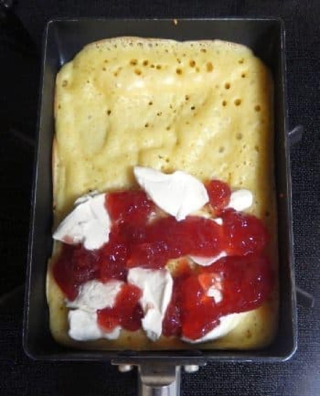クリームチーズ×イチゴジャム