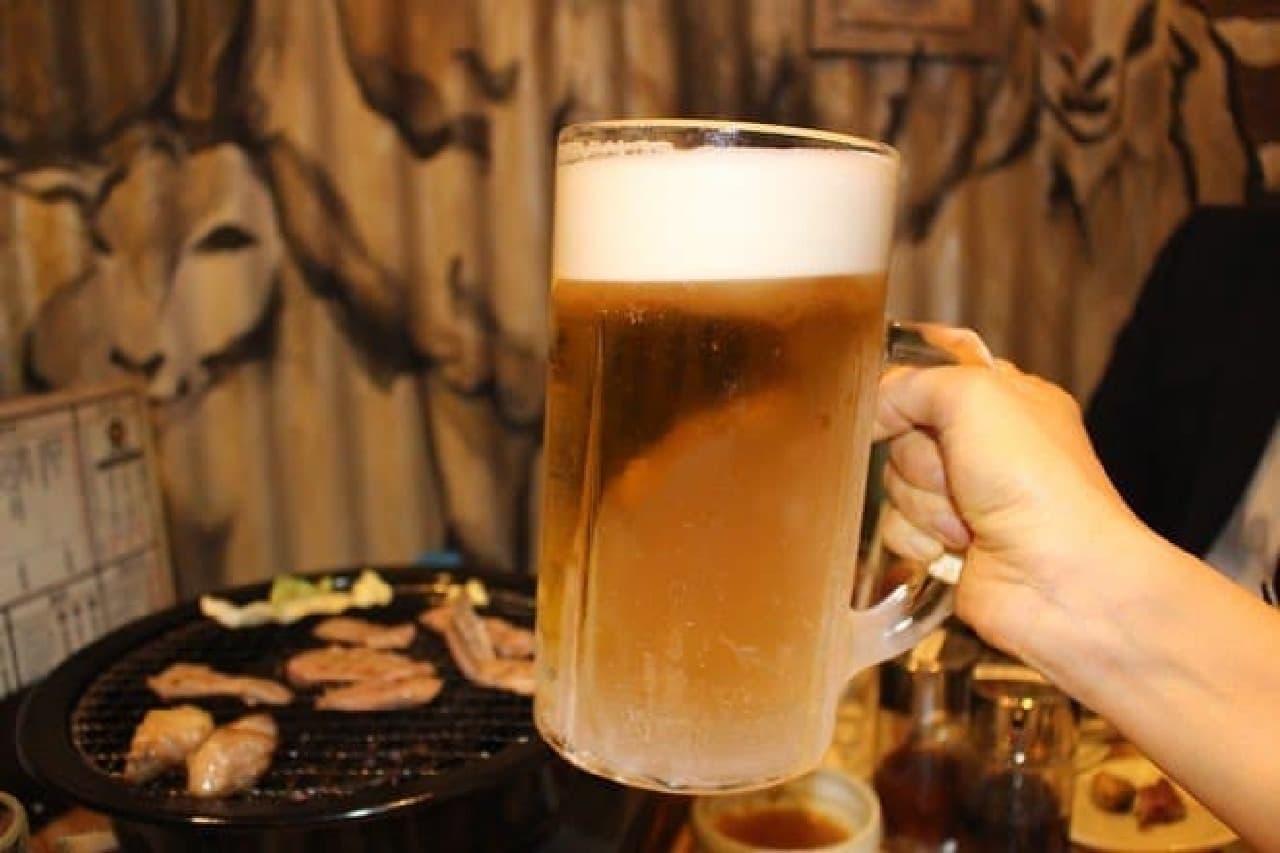 容量1Lの「筋トレ!生ビール」(880円)