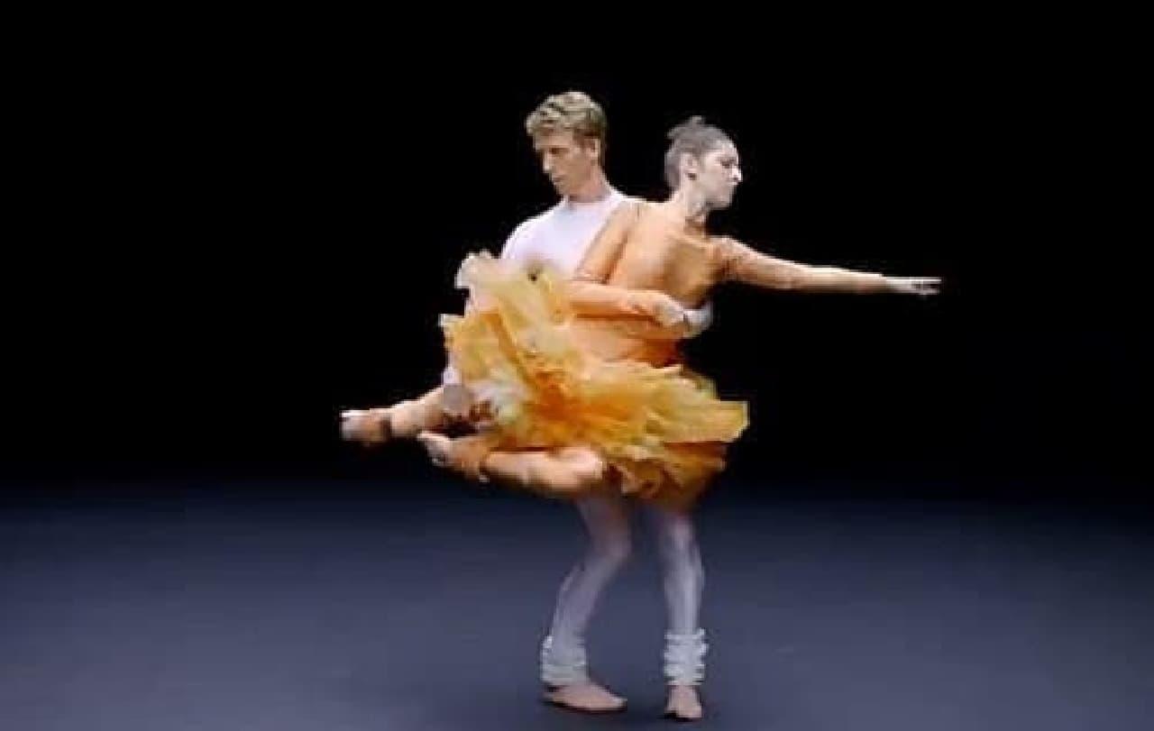 2名のダンサーは華麗に踊った後