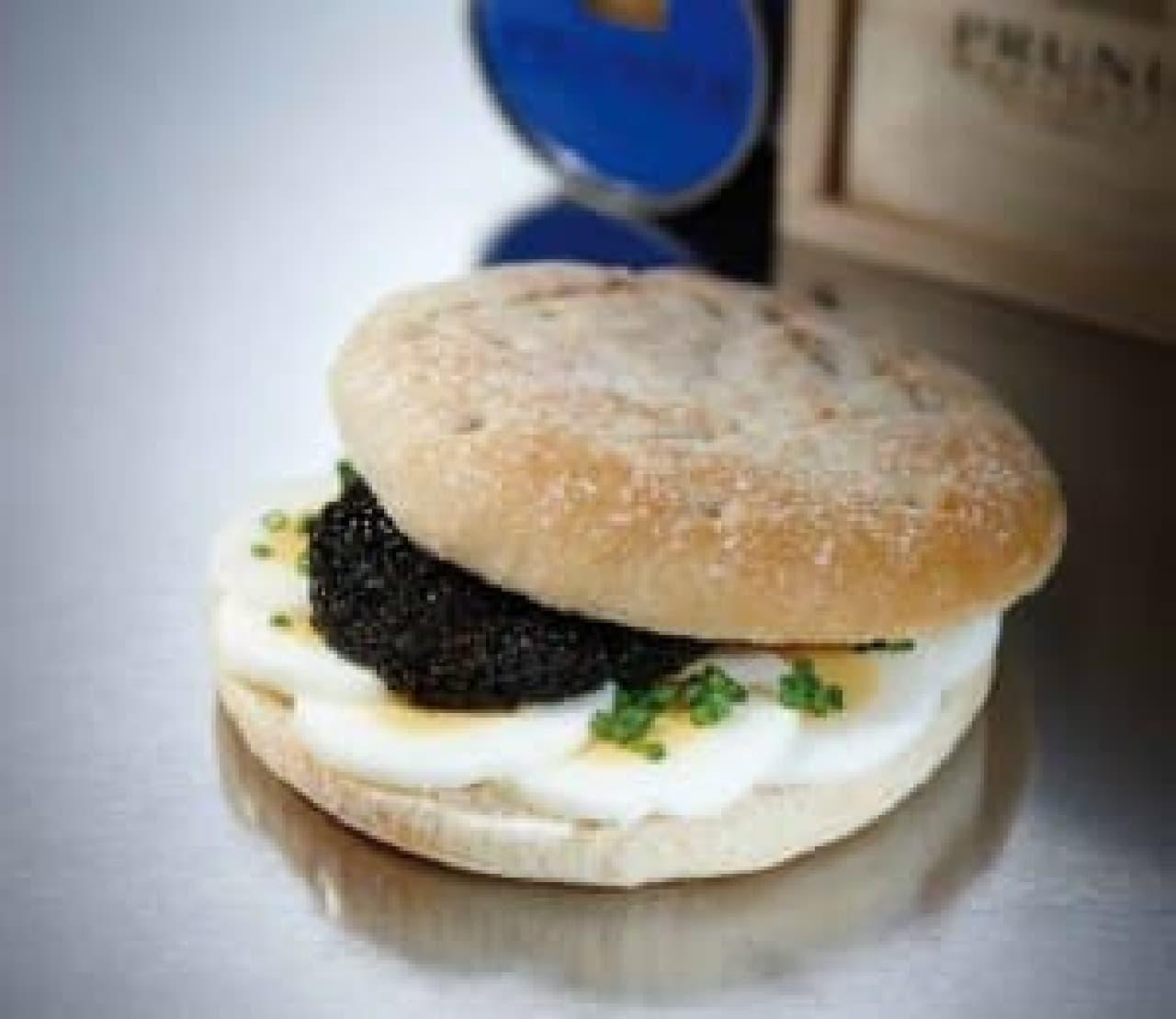 """""""最高級""""キャビアのサンドイッチ"""