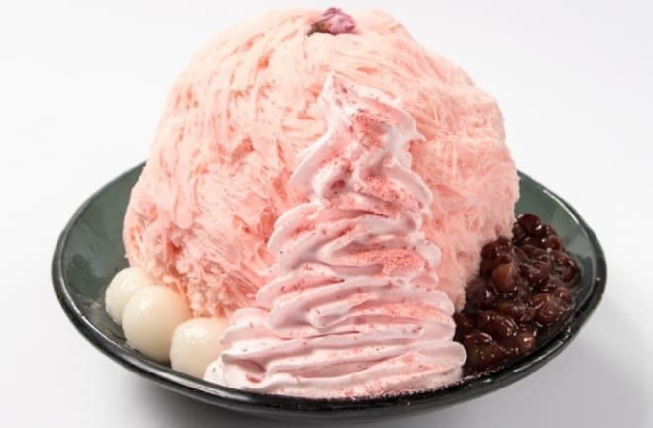 まるで和菓子?「桜ミルクかき氷」が大阪で先行発売