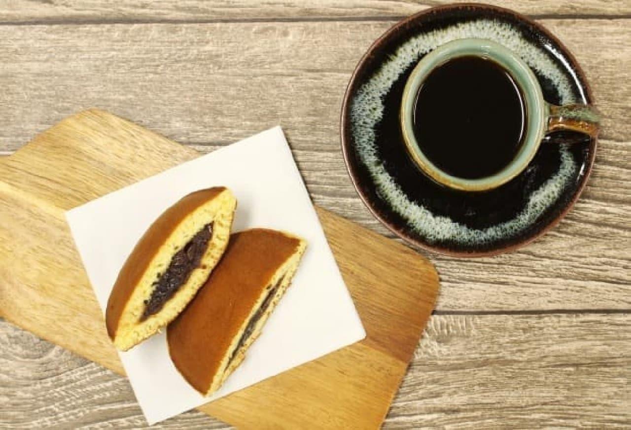 牛肉と赤ワインの相性を超える(?)、コーヒーとどら焼きの組み合わせ
