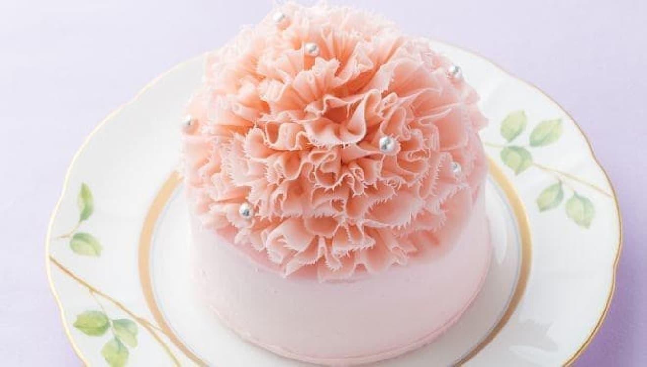 華やかなケーキで母の日をお祝い