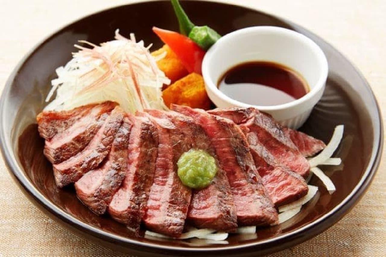 「ニッポン、ジョナサン、ごちそうさん。ジョナサンの食べるトラベル2016春」フェア開催  (画像は先行販売される「国産牛の赤身ステーキ」)