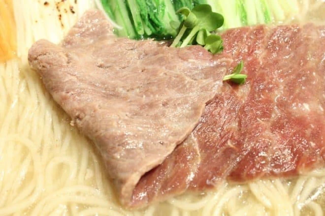 麺屋武蔵20周年記念「金乃武蔵」鯨ら~麺の尾の身の刺身