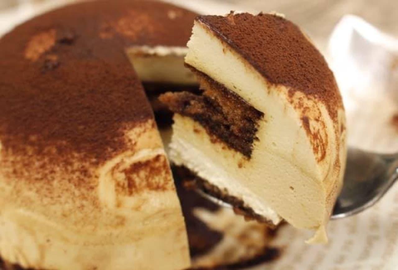 味も食べごたえもリッチなティラミスケーキ