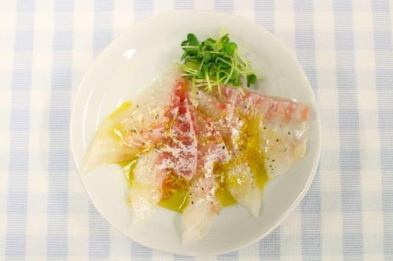 上野樹里・和田唱の結婚を祝い、平野レミがツイッターに投稿したレシピで作ったカルパッチ