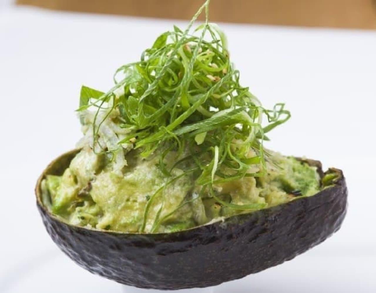 HIKARI cafe & dining渋谷店「シラスと九条ネギのガーリックバター焼き」