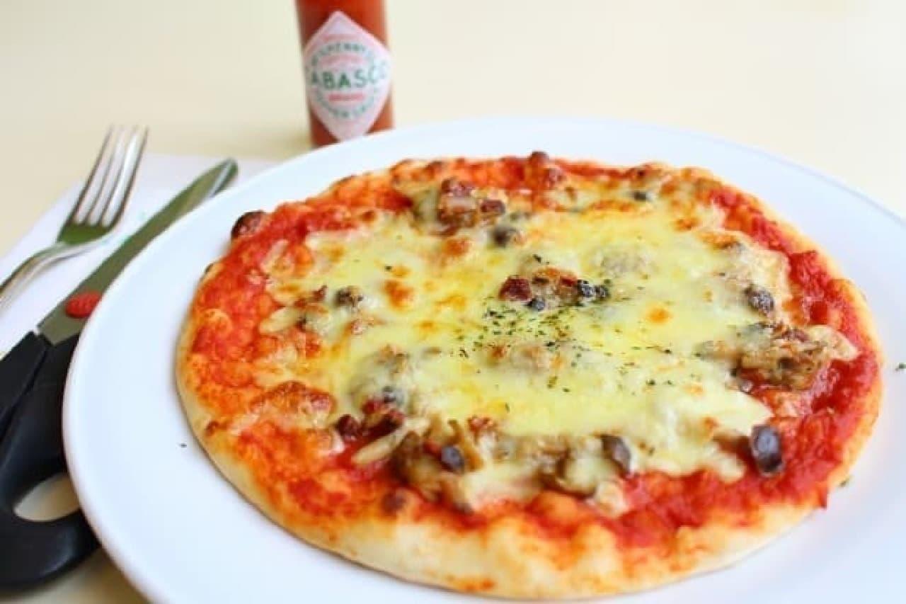 六花亭帯広本店喫茶室の「あさりとしめじのピザ」