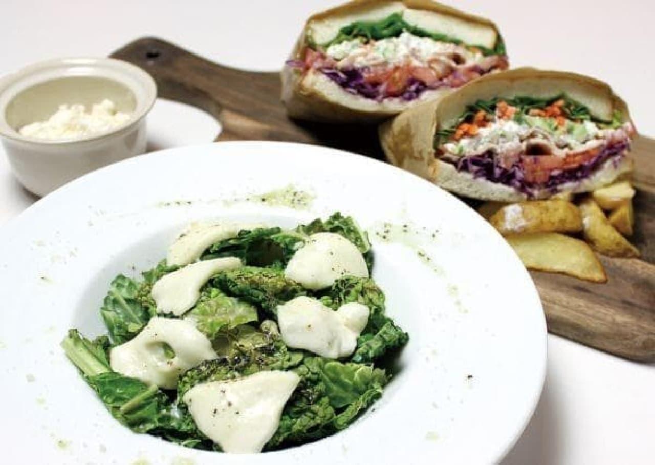 チーズクラフトワークス「サンドイッチ」と「サラダ」