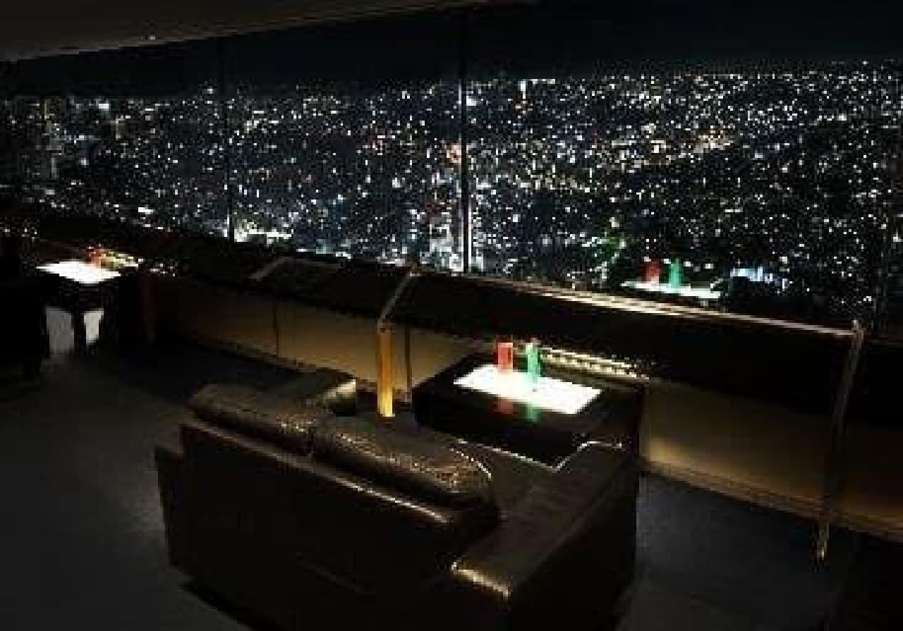 横浜ランドマークタワー「スカイビアガーデン」、ソファー席イメージ