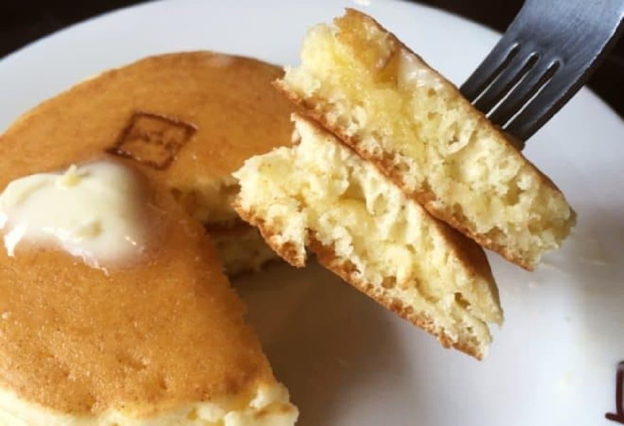 浅草「珈琲天国」のホットケーキ