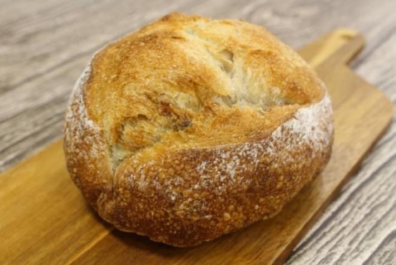ブーランジェリー mugi「くるみのパン」