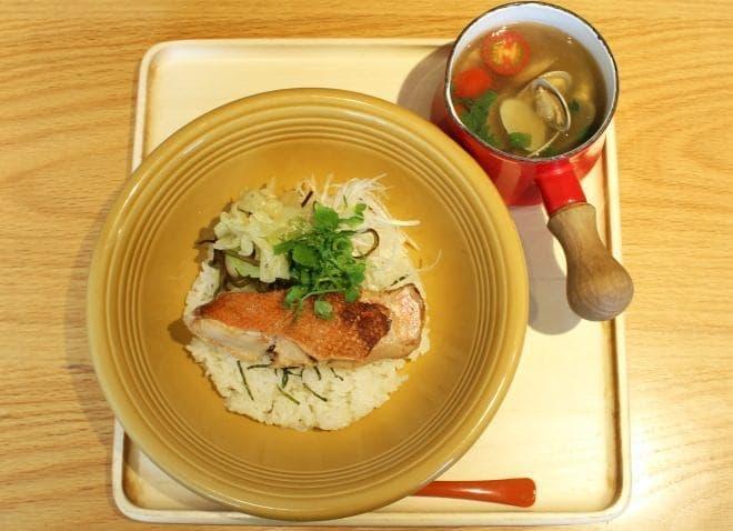 マルモキッチン「スープごはん 金目鯛ごはん+あさりトマトスープ」