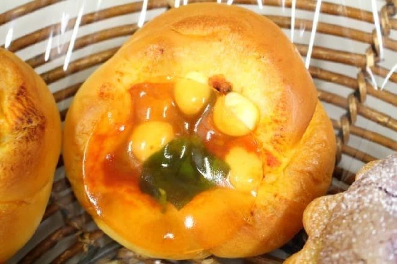 ドンク111周年記念商品「南イタリア産トマトのポンプ・ア・ルイユ」