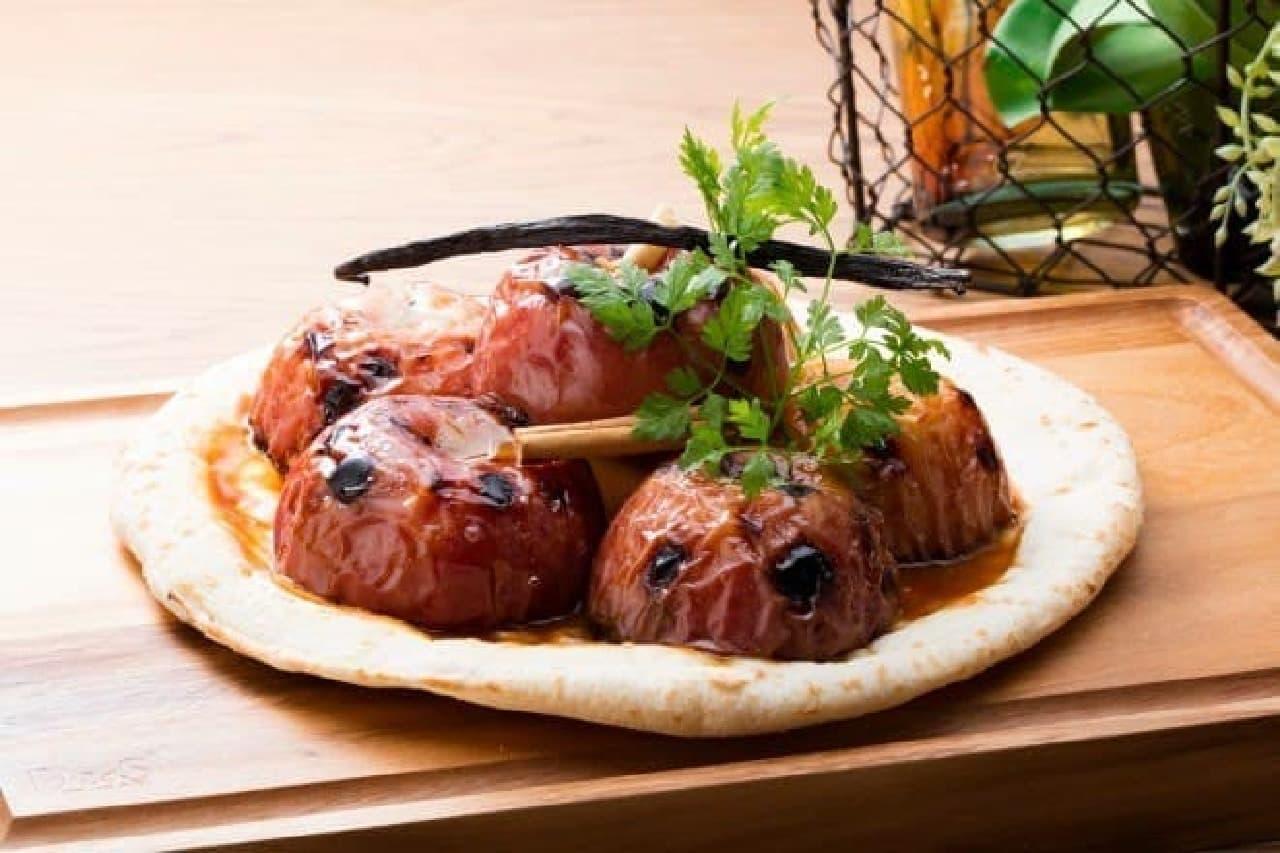 シナガワ ダイニング テラス「チーボ」まるごとアップルのタタン風ピザ