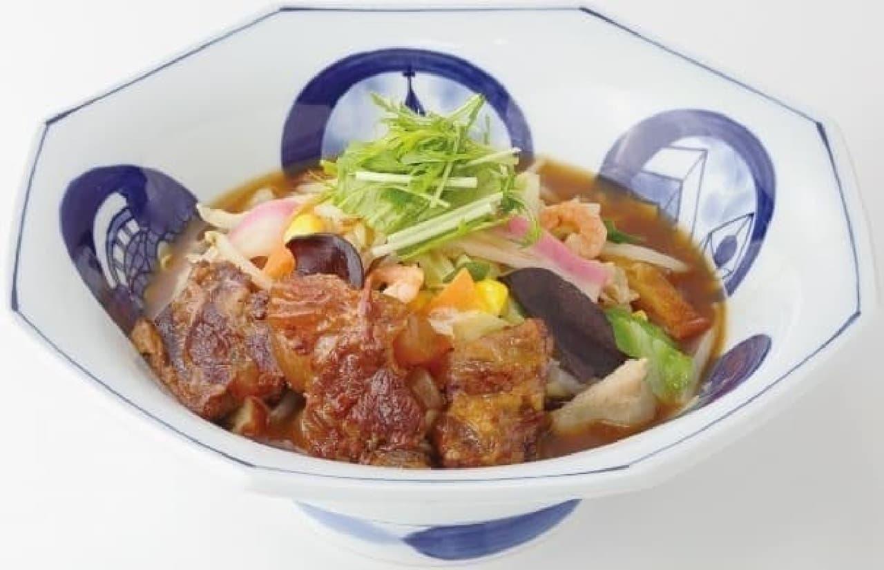 沖縄県内のリンガーハット限定「軟骨ソーキちゃんぽん」
