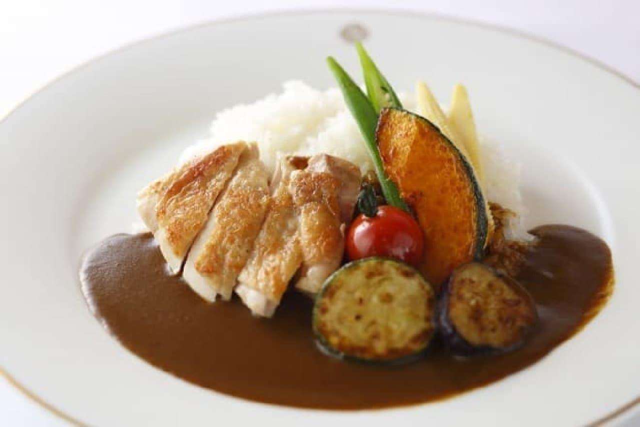 資生堂パーラー「チキンと野菜のカレーライス」