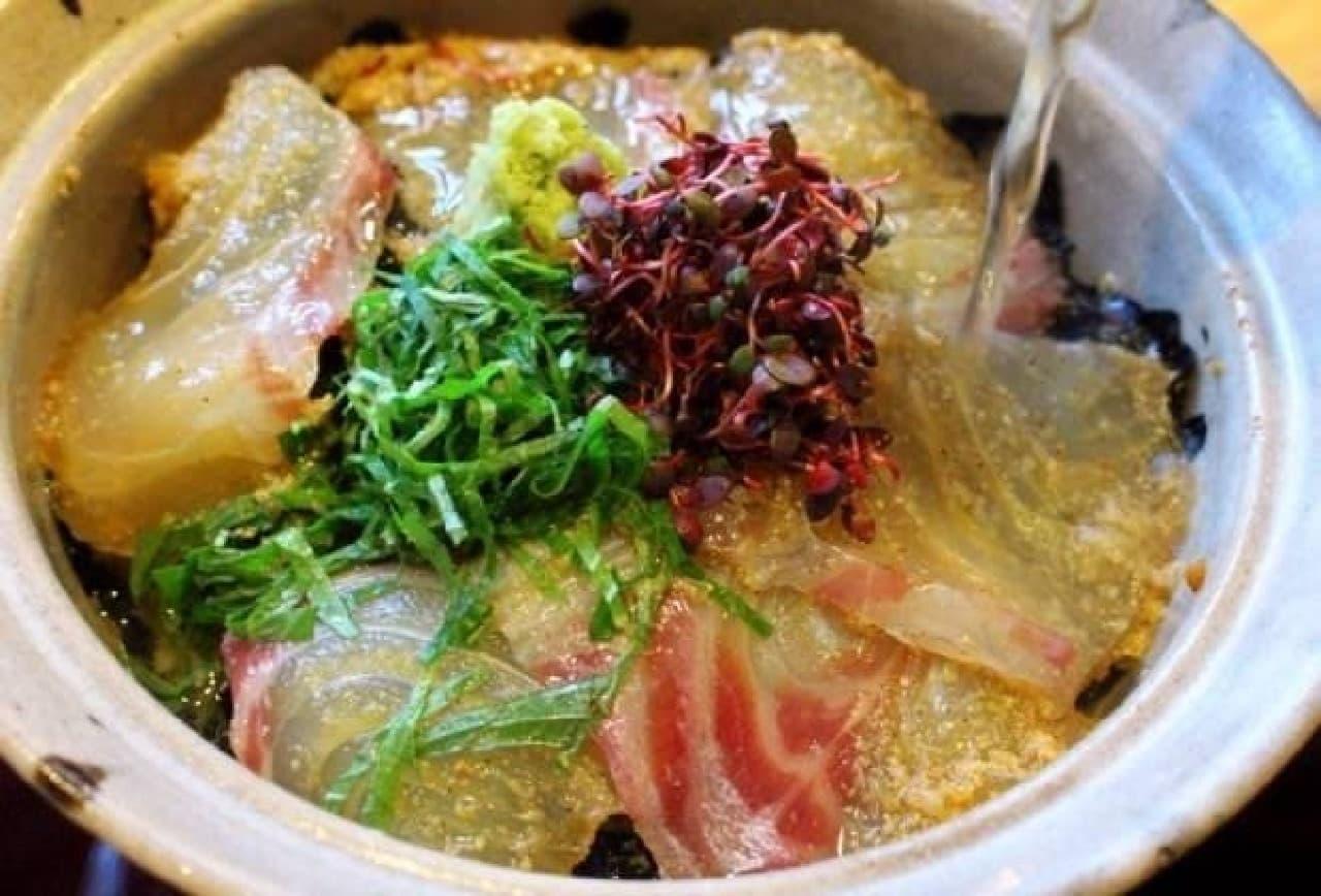 岡山県倉敷市「つる形」の「鯛茶漬け」