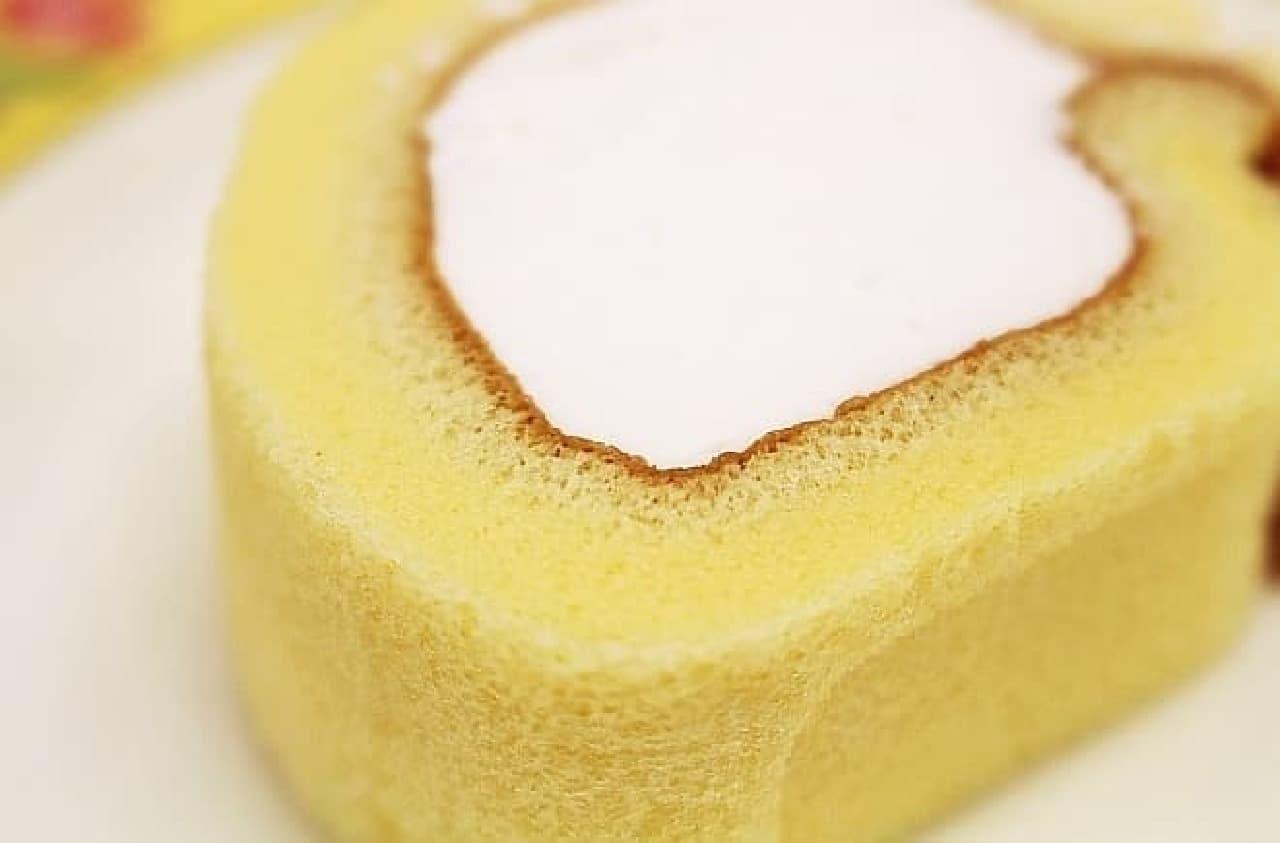 ローソン「もち食感ロール(白バラ牛乳入りホイップ)」