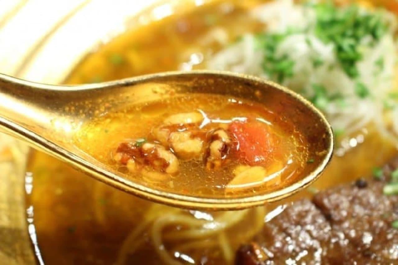 麺屋武蔵武仁「金乃アキバカリー麺」、金乃武蔵第8弾のスープ