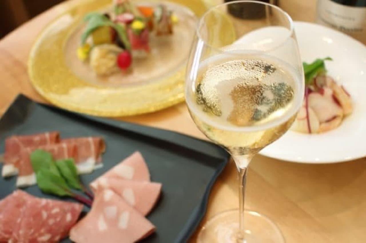 bubbles ginza -champagne cafe-(バブルズギンザ シャンパンカフェ)イメージ