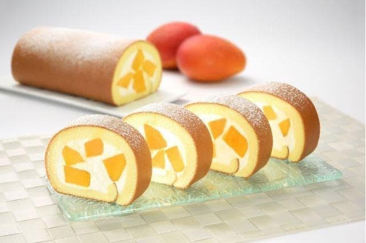 日本限定のヤニックマンゴーロールケーキ