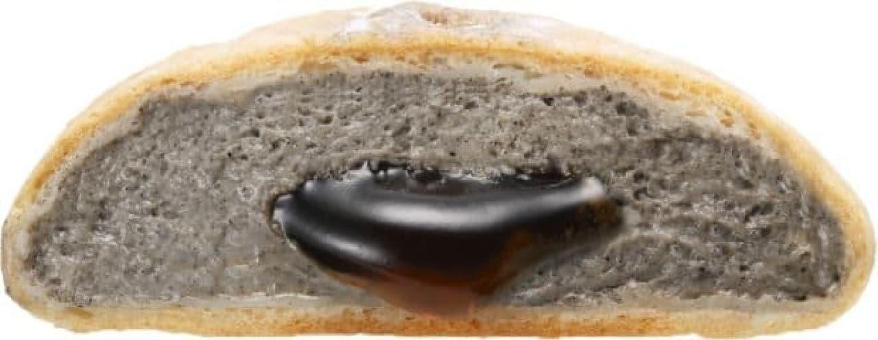 スリーエフ「もちぽにょ黒ごま ~黒糖ソース入り~」