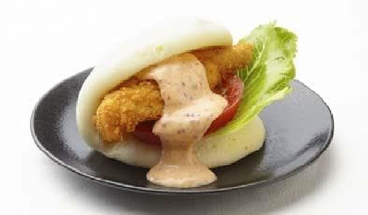 東京味わいフェスタ2016、CHINESE青菜・中島シェフ×アメリカ「鱈のカオパオスライダー」