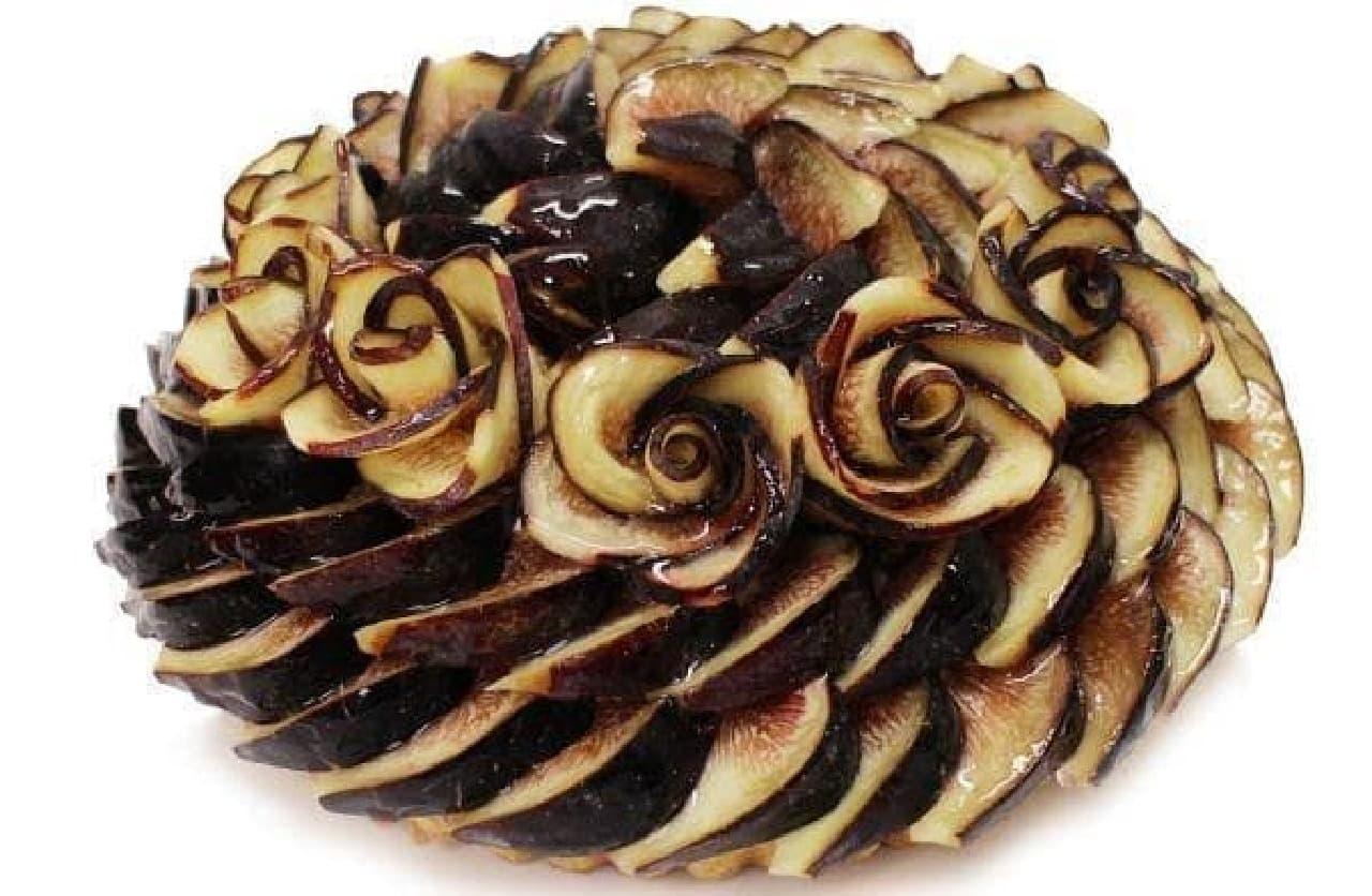 カフェコムサ「新潟県佐渡産 黒いちじく 金のクローバーのケーキ」