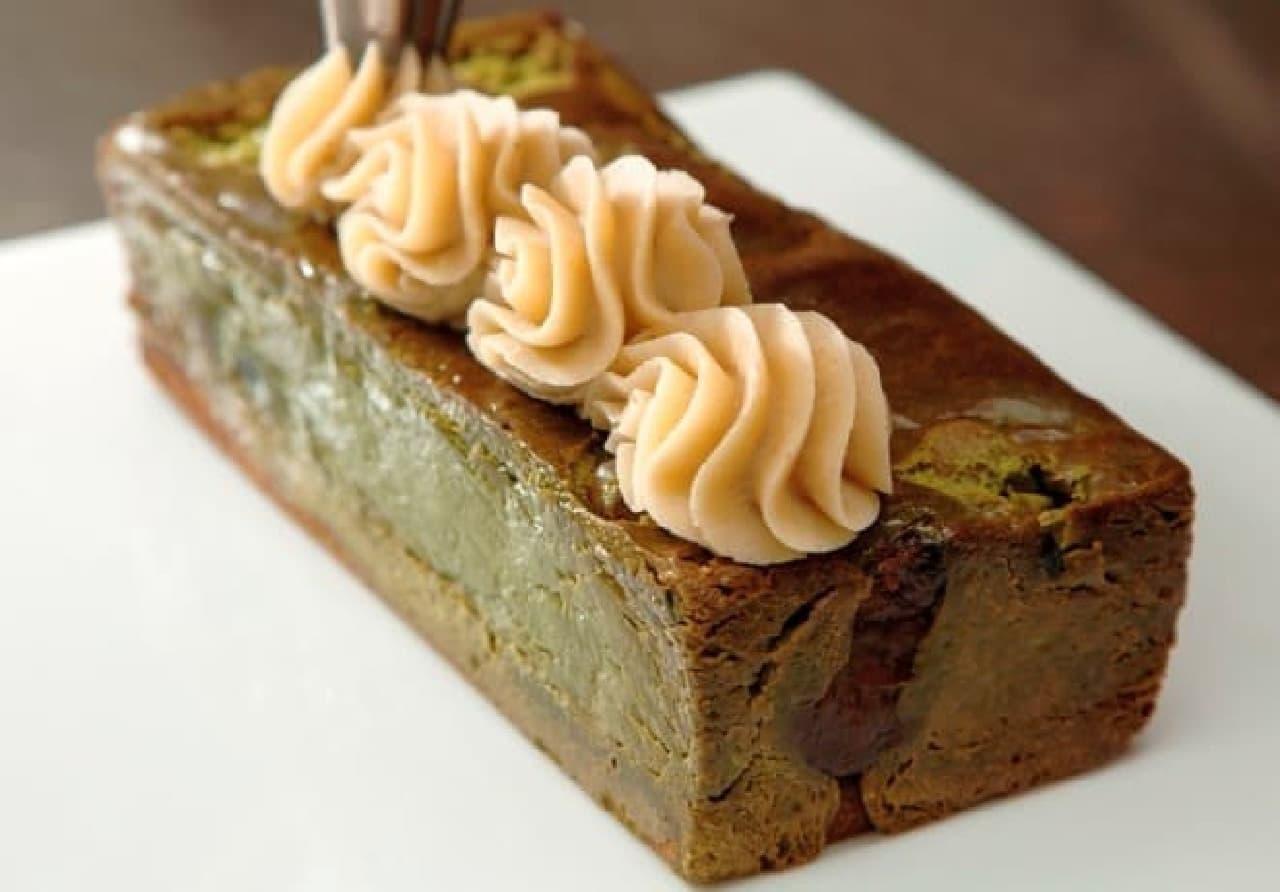 成城石井「丹波栗と宇治抹茶の極濃プレミアムチーズケーキ」