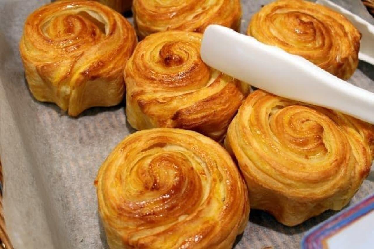 ヤフーの社食「焼きたてパン」