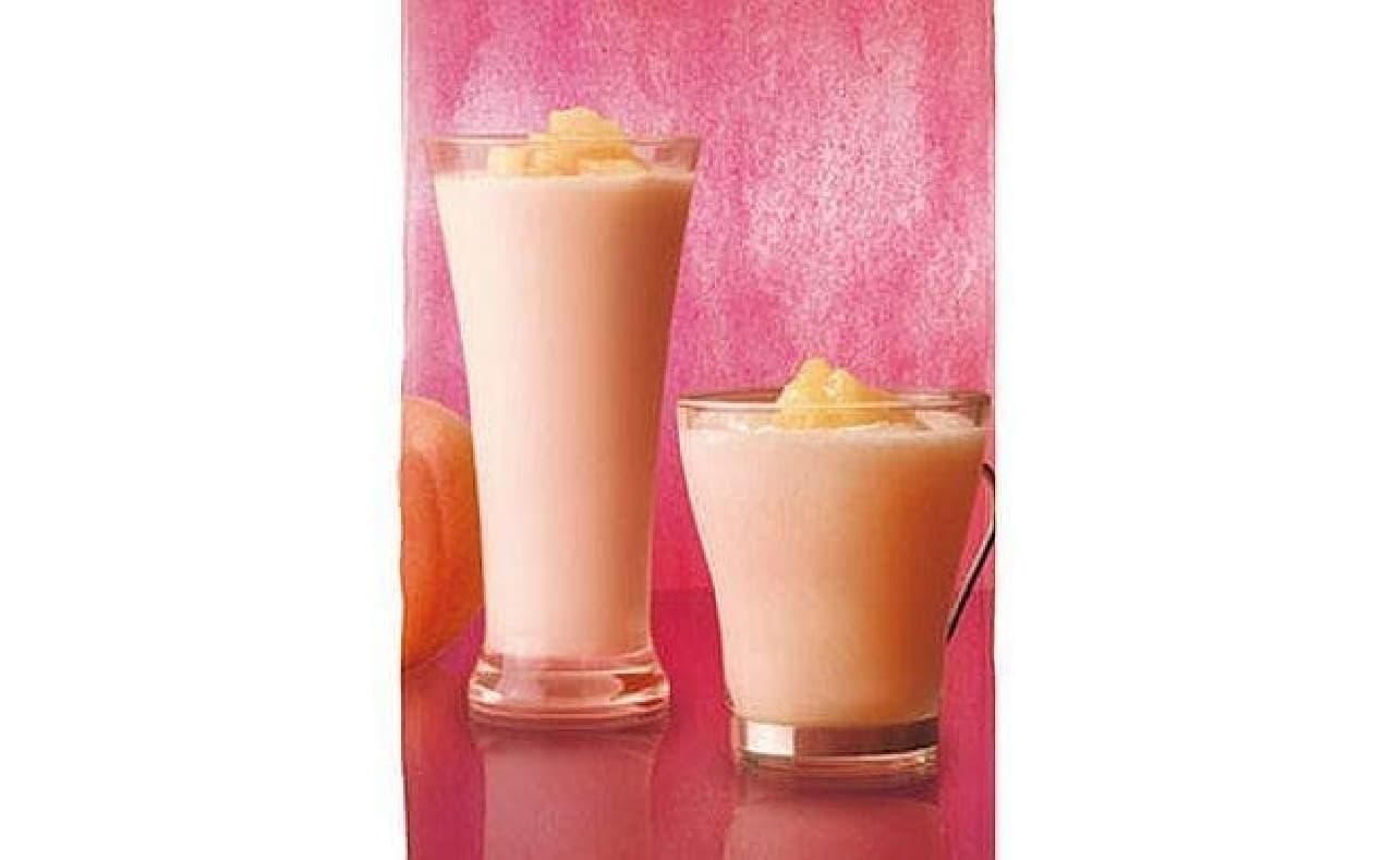 カフェ・ド・クリエ「とろける桃の糀スムージー」と「とろける桃の糀ラテ」