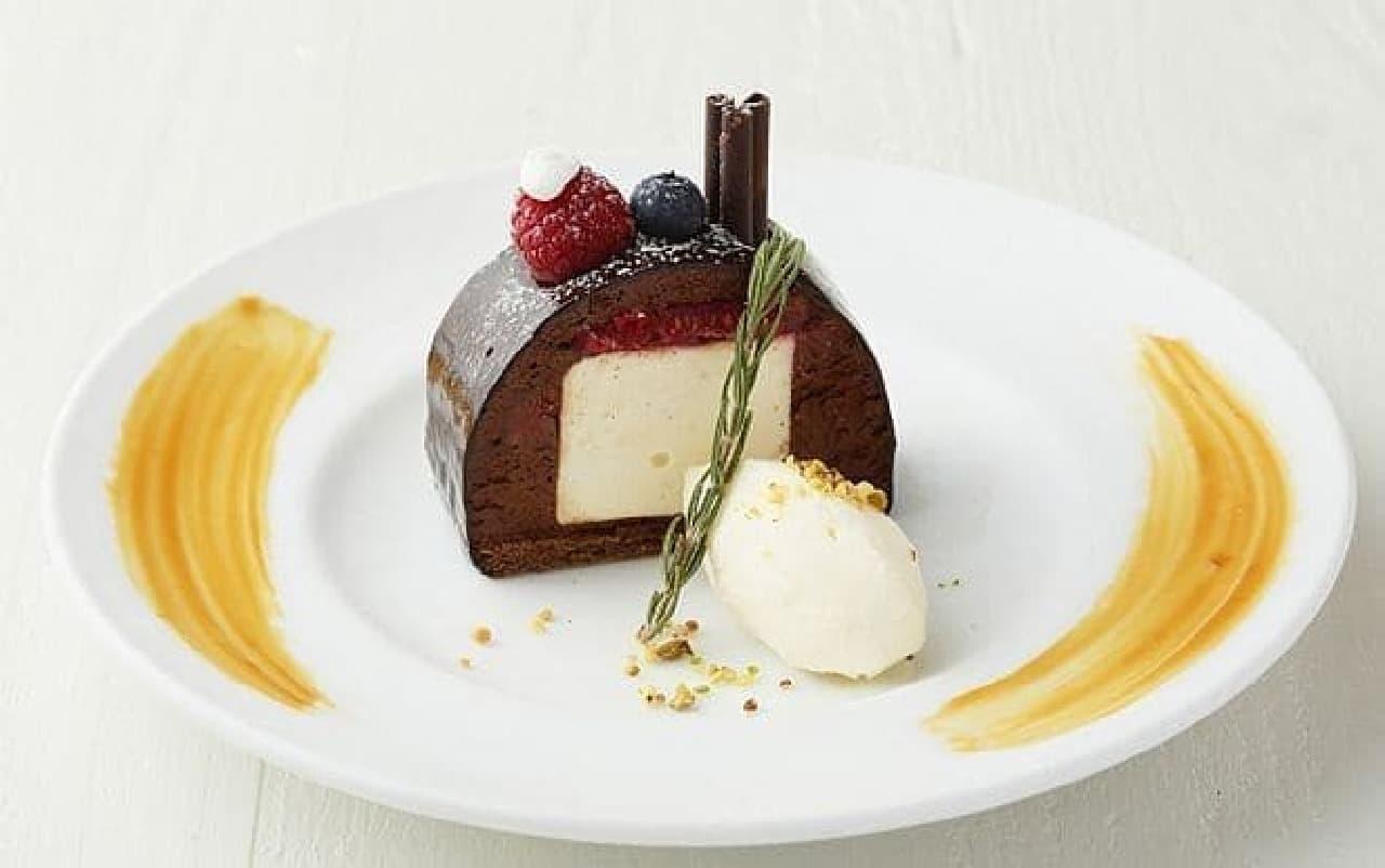 カフェ&ブックス ビブリオテーク「サンタハウスのブッシュ・ド・ノエル」