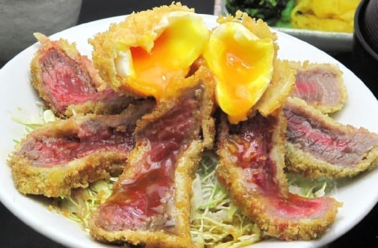 「北熊本サービスエリア」下り線の2階レストラン 「味彩牛かつ丼」