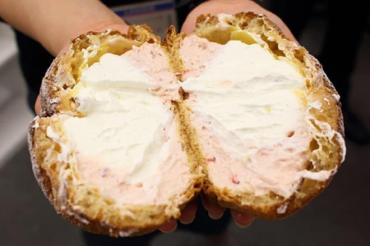 ローソン「シュー・ア・ラ・クレーム 紅白クリーム(ホイップ&イチゴクリーム)」